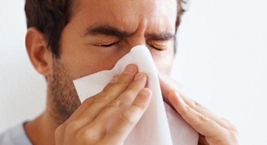 homem resfriado