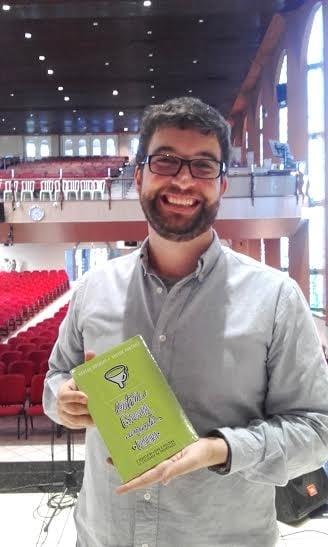 Marcos Botelho _ livro 'Ontem esponja, amanhã peneira'
