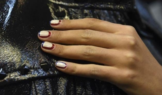Nail art geométrica trapézio