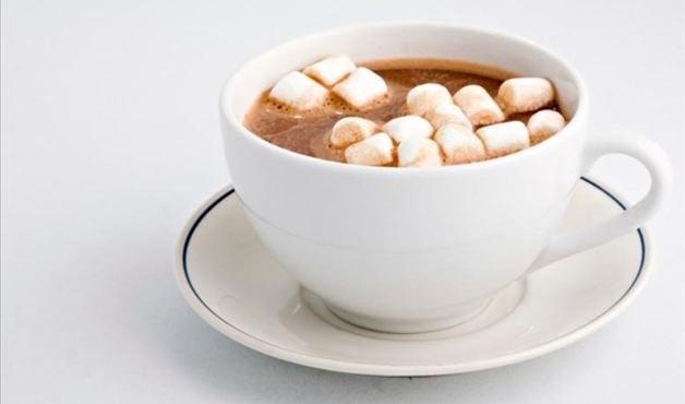 Café com marshmallow