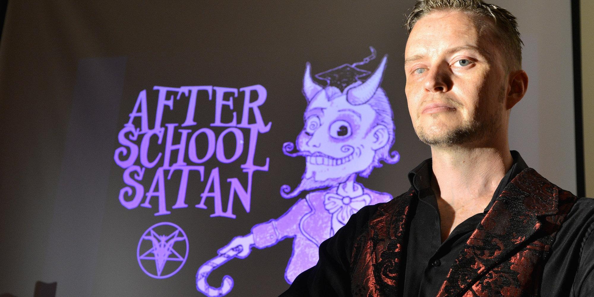 Satanistas dos EUA querem implantar 'clubes de estudo' para crianças antes do natal