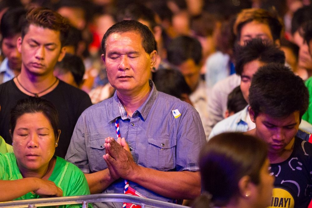 Mais de 4,9 mil pessoas se entregam a Cristo em evento evangelístico no Mianmar